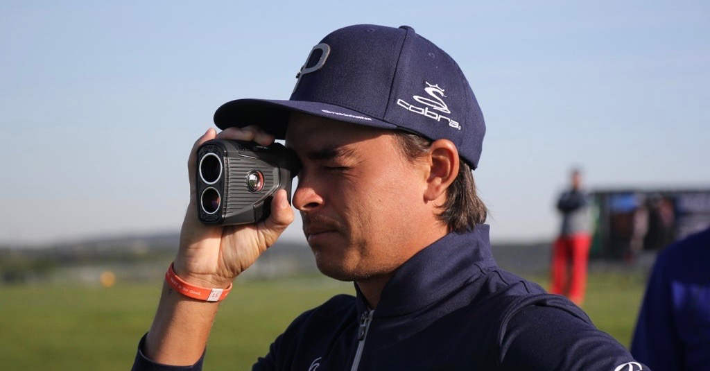 Rickie Fowler using rangefinder